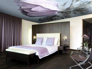 Натяжные потолки в спальню 1