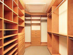 Натяжные потолки в гардеробную 3