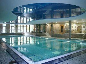 Натяжные потолки в бассейн 3