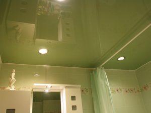 Натяжные потолки для туалета 4