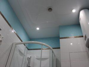 Натяжной потолок в ванную 8