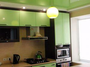 Натяжной потолок на кухню 1