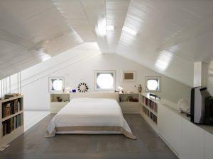 Натяжные потолки на мансарде 6