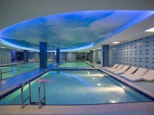 Натяжные потолки в бассейн 4