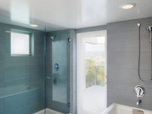 Натяжные потолки для туалета 3