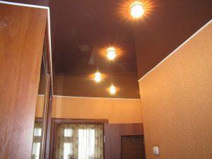 Натяжные потолки в коридор