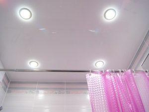 Натяжной потолок в ванную 2